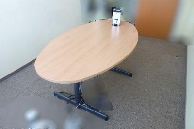 39627 Работна маса с контакт/мрежа Steelcase
