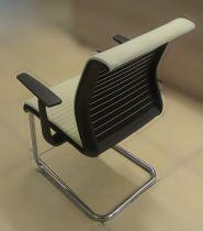 21329 Посетителски стол Steelcase  Think